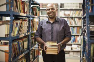 Professor nota 10 Nobel da Educação